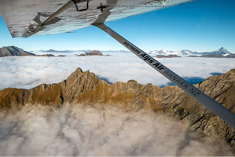 Wanaka Scenic Flight mountaintops