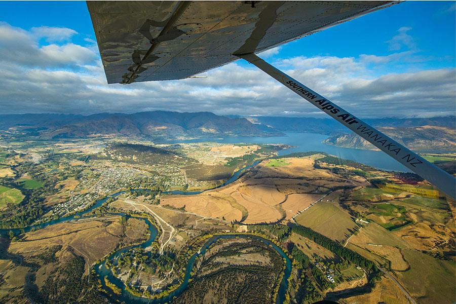 Wanaka scenic flight views over Wanaka