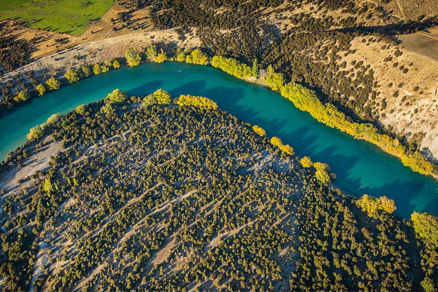 Wanaka Scenic Flight Clutha River